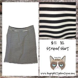 XL Striped Pencil Skirt
